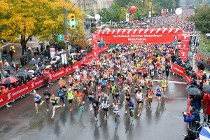 2012 Toronto Waterfront Marathon start: photo courtesy of the Scotiabank Toronto Waterfront Marathon